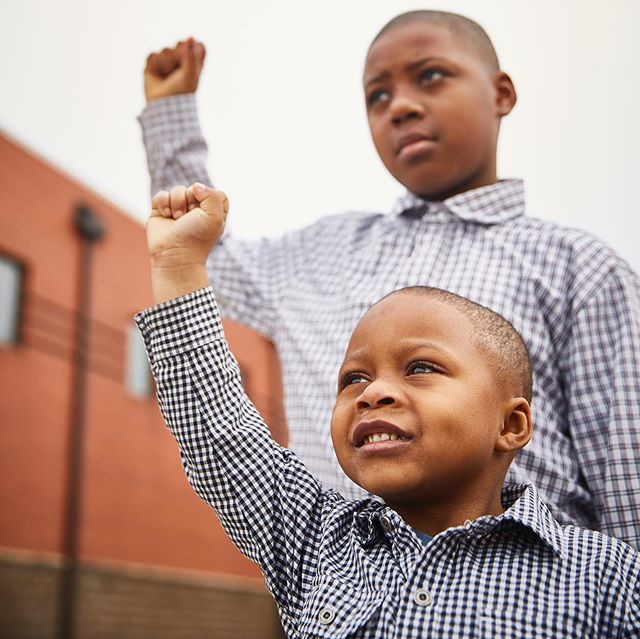 Do you believe every family has a right to live free of poverty? If so, apply to join our Fall 2019 Economic Justice Power-Building Academy today! ➡️ bit.ly/applypba 💛 Residents of North St. Louis City, West St. Louis City, and East St. Louis, IL are eligible. Paid opportunity. Childcare provided.  Pictured: Power-Builder Laundrina Dukes-Foster and her children in front of Lincoln Middle School in East St. Louis. 📸: @i.zaiahj