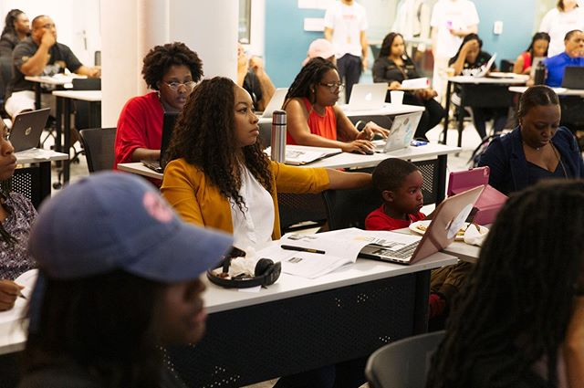 "LAST CALL FOR APPLICANTS! + A big shout out to all who attended Tuesday's Elevate/Elevar application work session and to our co-host @koranbolden! The Elevate/Elevar accelerator provides curriculum, connection, and capital to Black and Latinx entrepreneurs. If you're a founder of an early-stage company and committed to St. Louis, apply! 💛 We have one more drop-in application support session planned for this Saturday from 10 AM to 1 PM. During that time, we'll answer any of your lingering questions and support you in pressing ""submit"" on a strong app before Sunday night's deadline. Details & RSVP: bit.ly/work_session . 📸: @justinmikhailsolomon  #entrepreneur #entrepreneurlife #startup #startups #founder #blackwomenlead #latinxbusiness #businessowner"