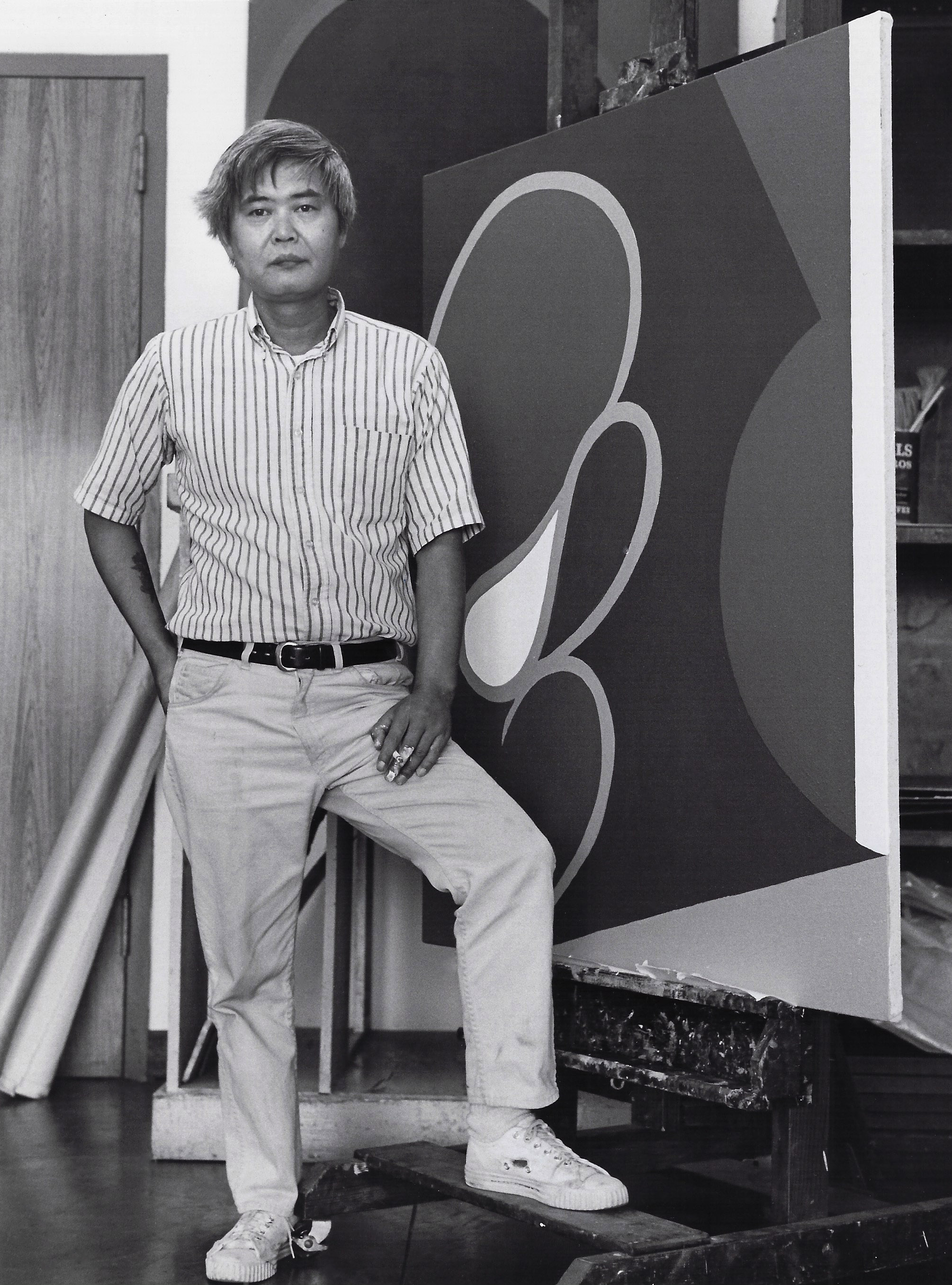 Kanemitsu at the Honolulu Academy of Arts, 1967. Photographed by Raymond M. Sato.