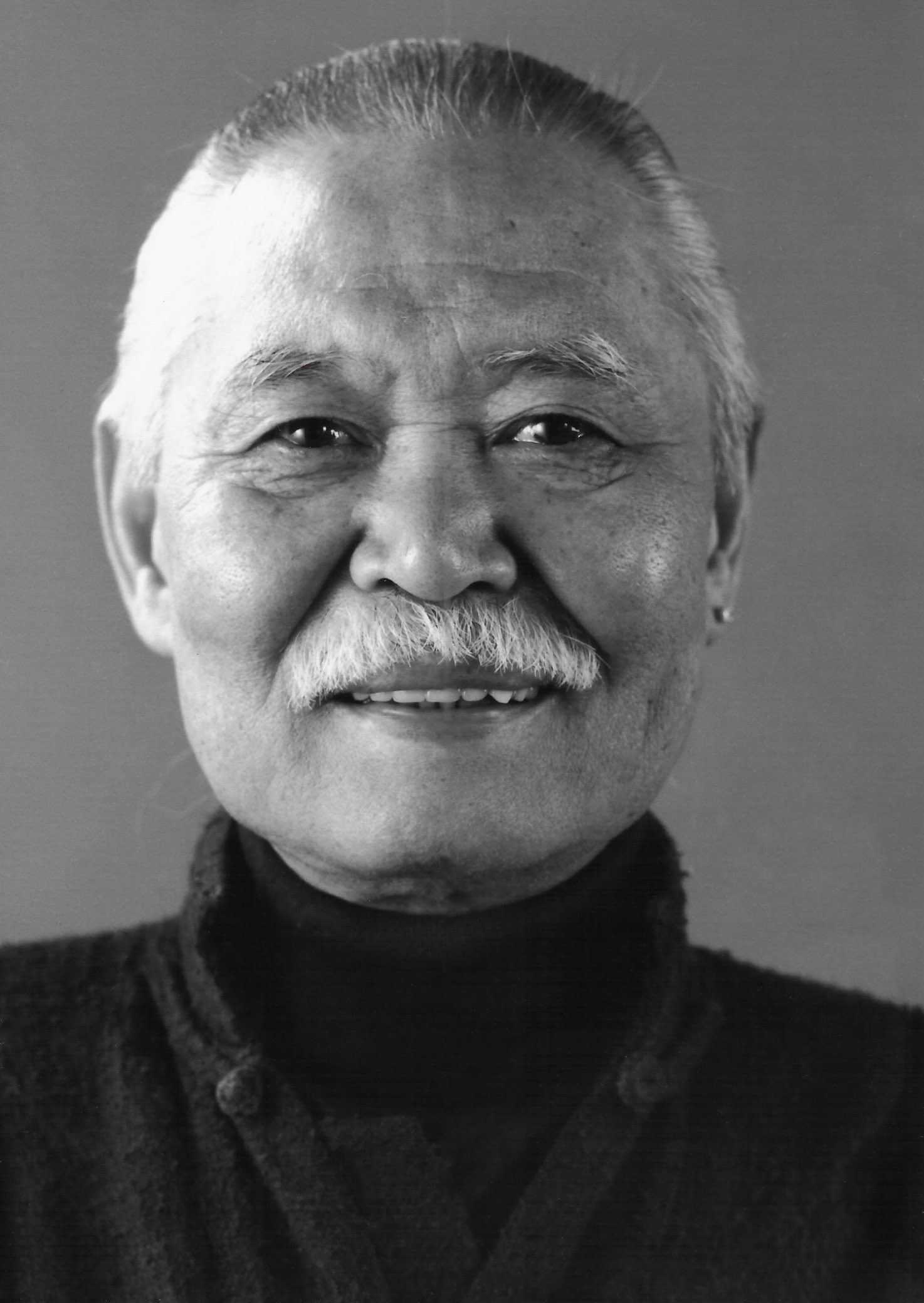 Kanemitsu photographed by Kenji Shirato.