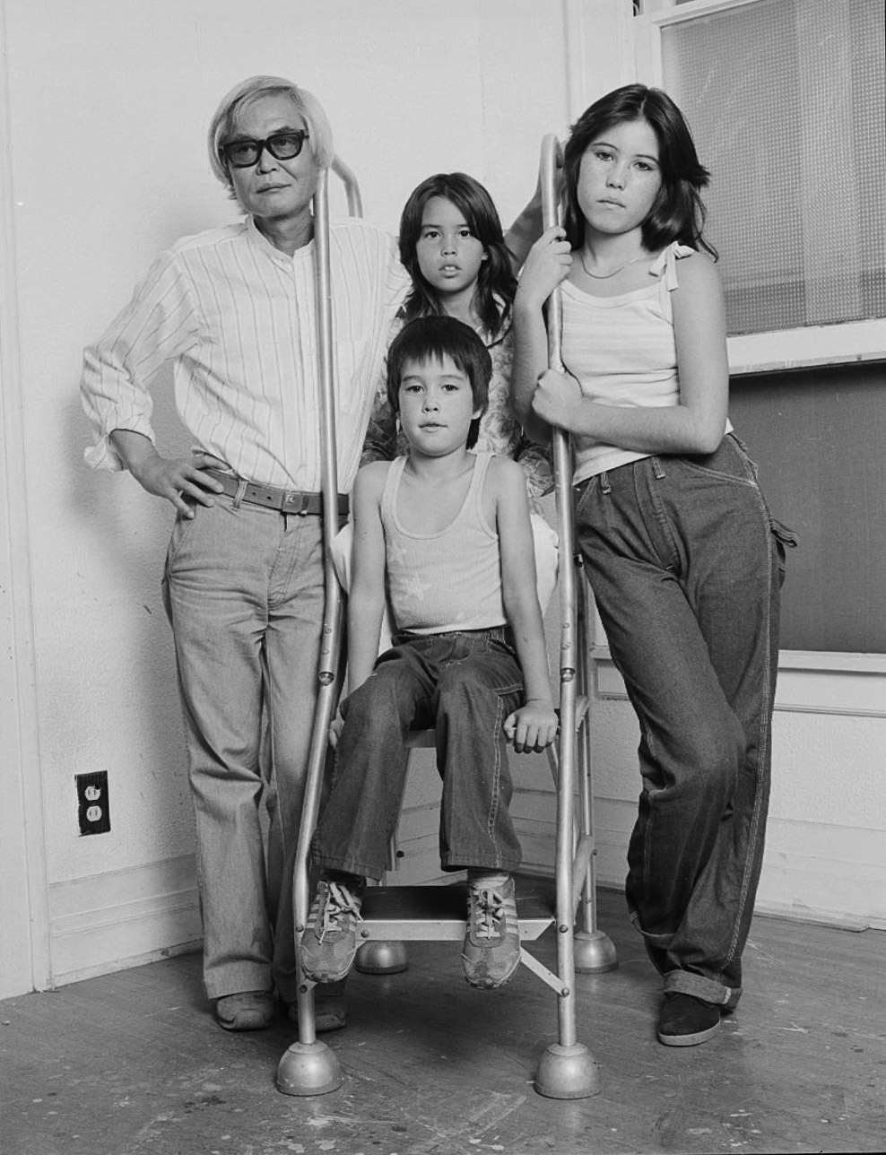 Kanemitsu with his children, Zoe, Patia, and Paul in Los Angeles, 1978. Photographed by Douglas Parker for Muncipal Art Gallery.