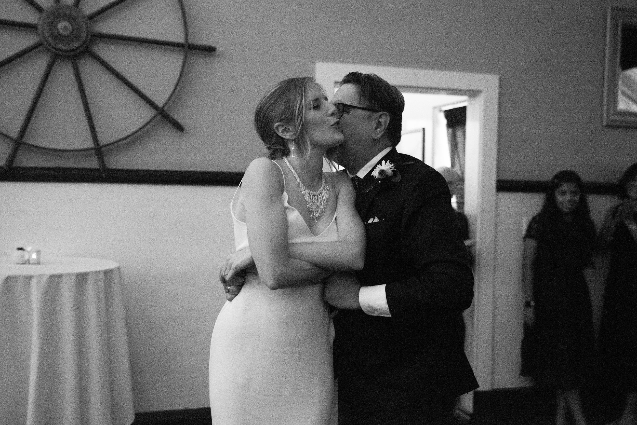 Z- Seattle Wedding - MV Skansonia -  Anna + Josh -  (9).jpg
