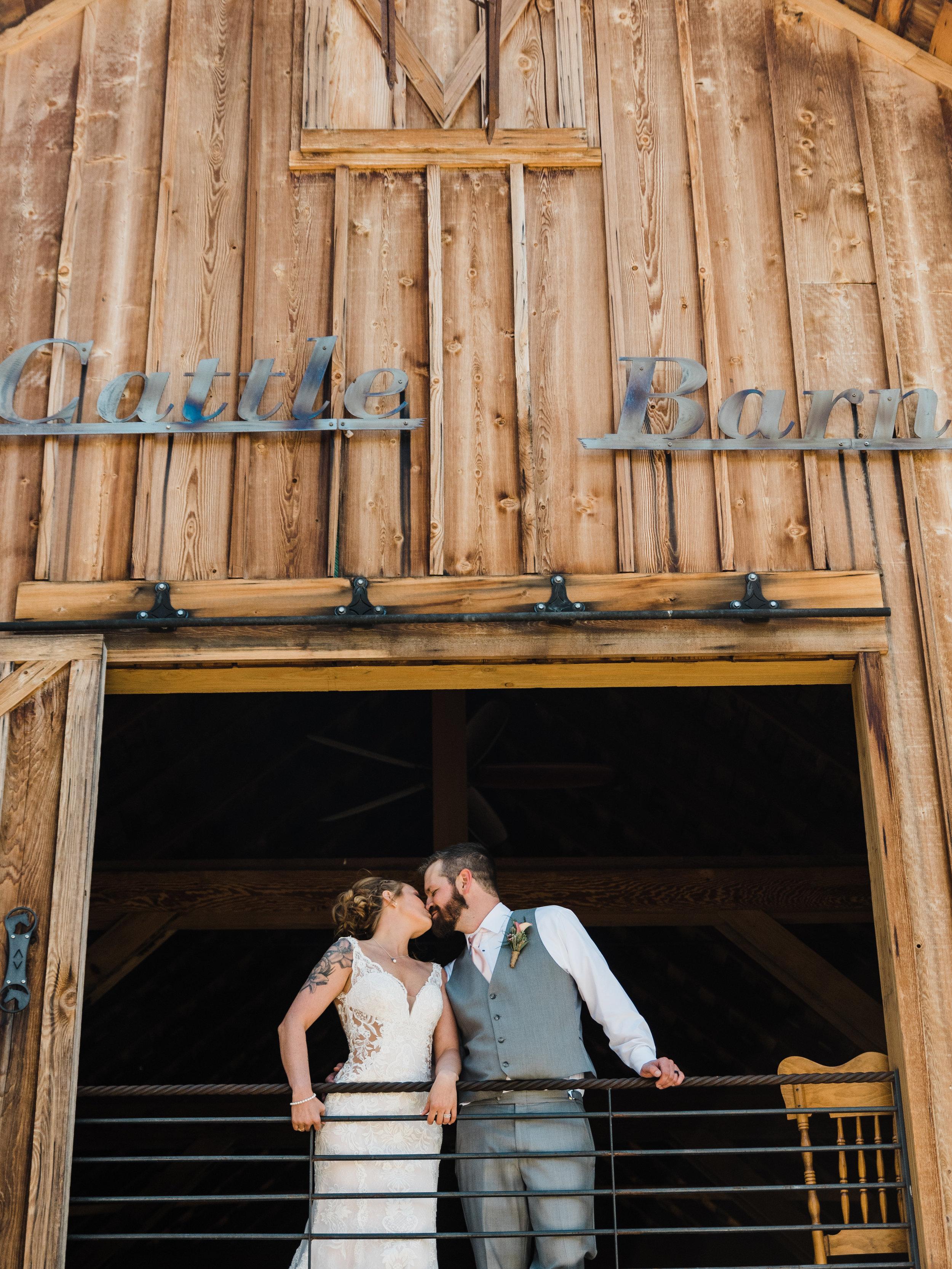 Cle Ellum Washington Wedding - Tyra and Tom-  (251).jpg