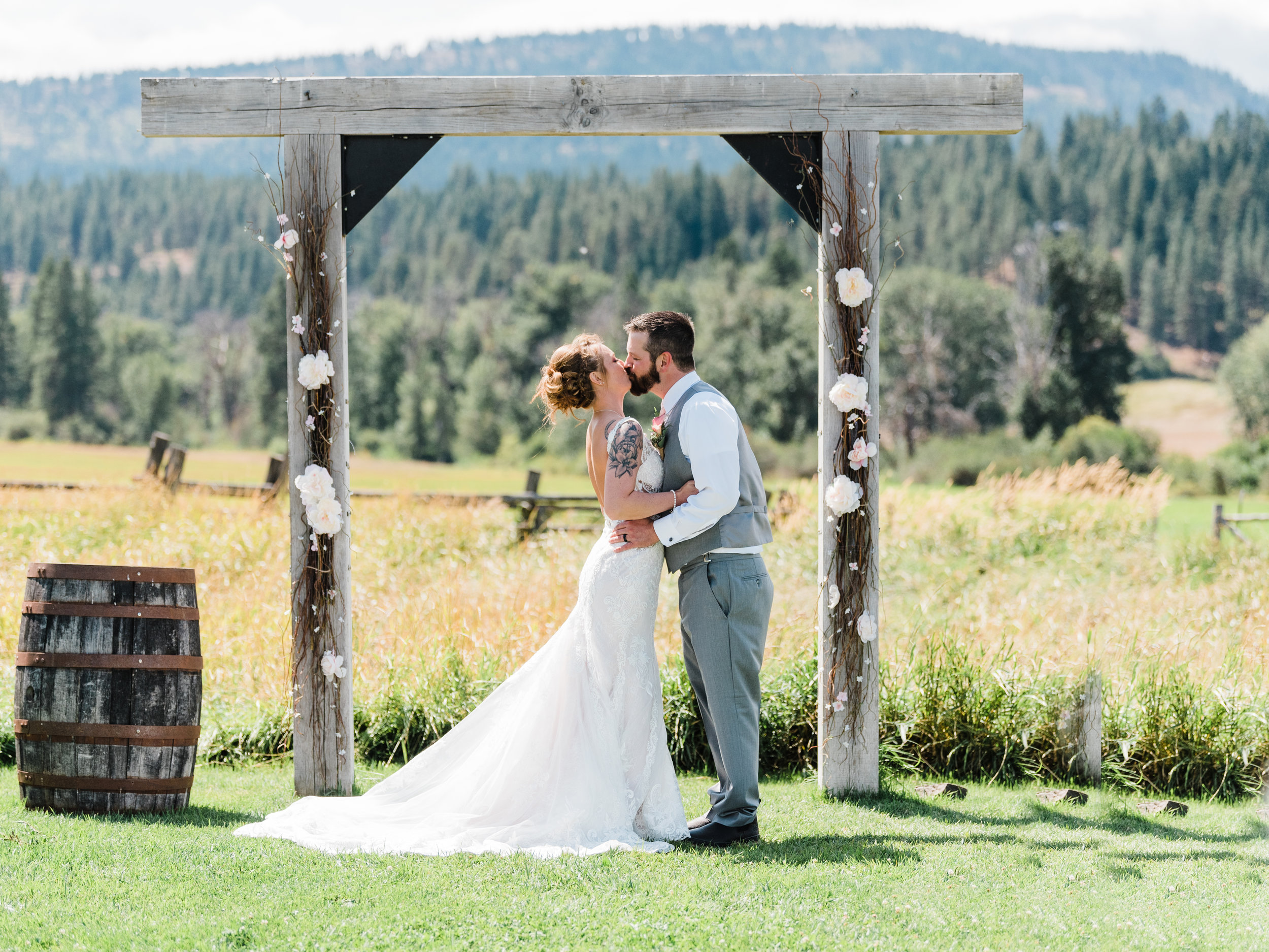 Cle Ellum Washington Wedding - Tyra and Tom-  (256).jpg