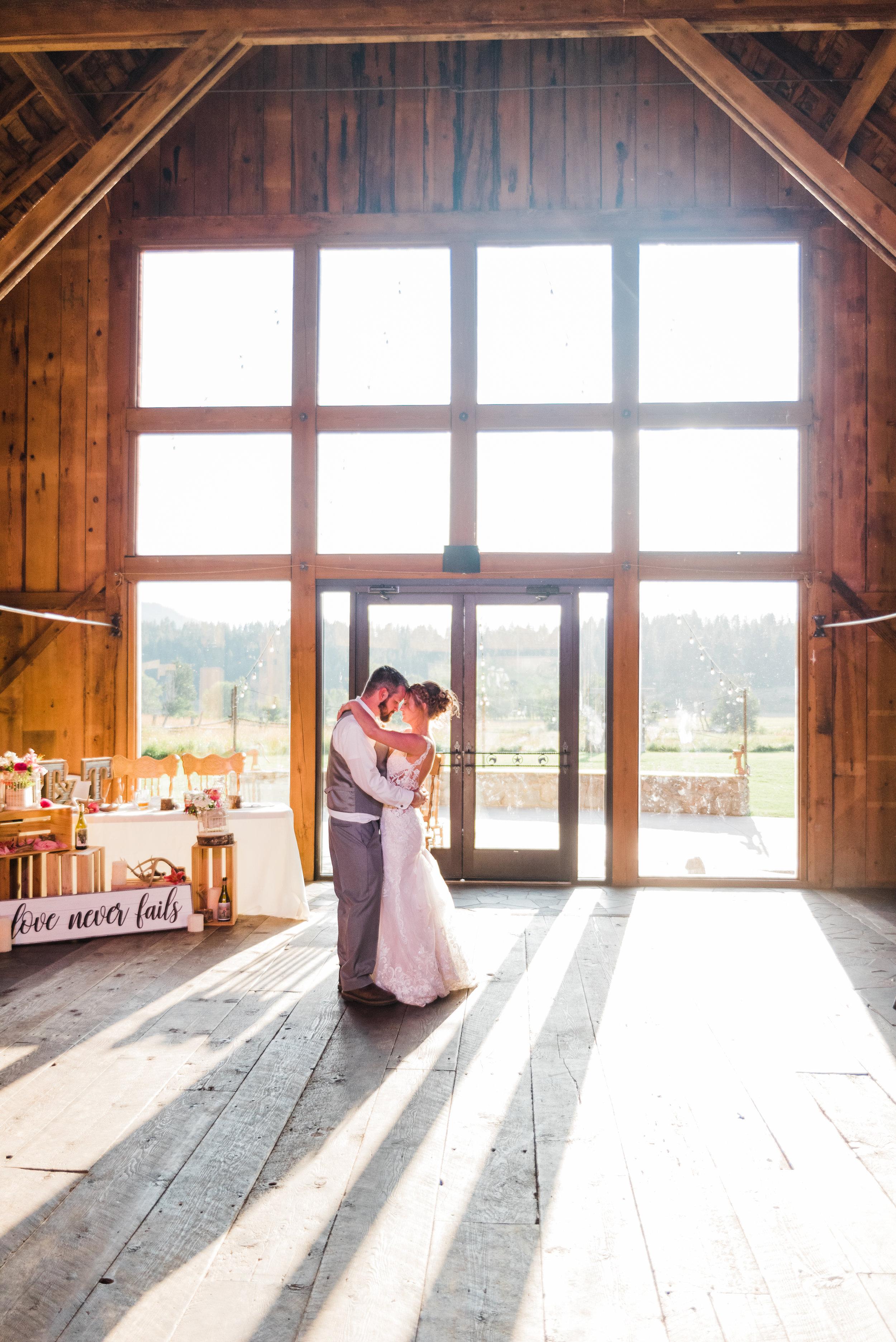 Cle Ellum Washington Wedding - Tyra and Tom-  (835).jpg
