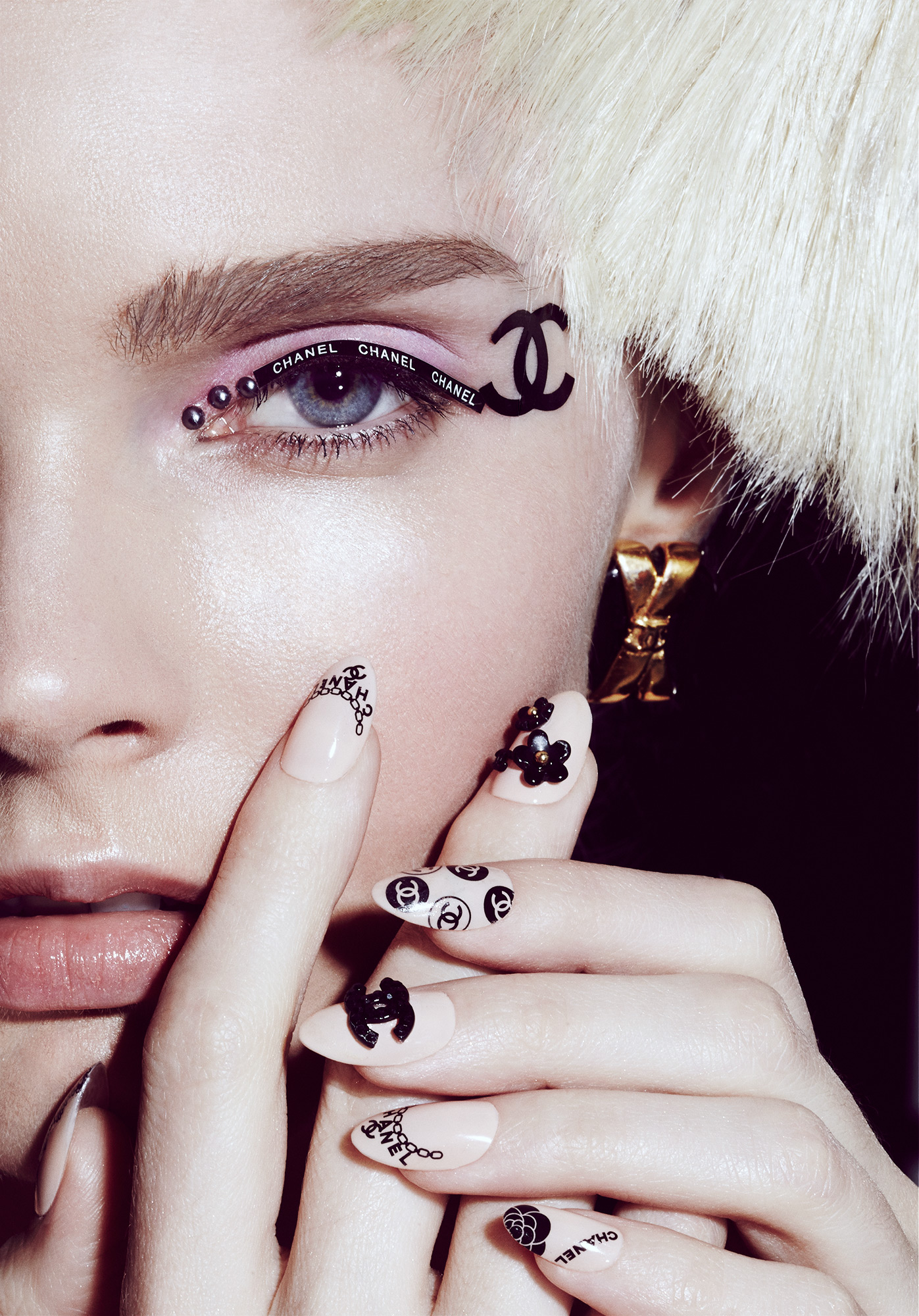 chanel-nail-art-designer-nail-tattoos-be.jpg