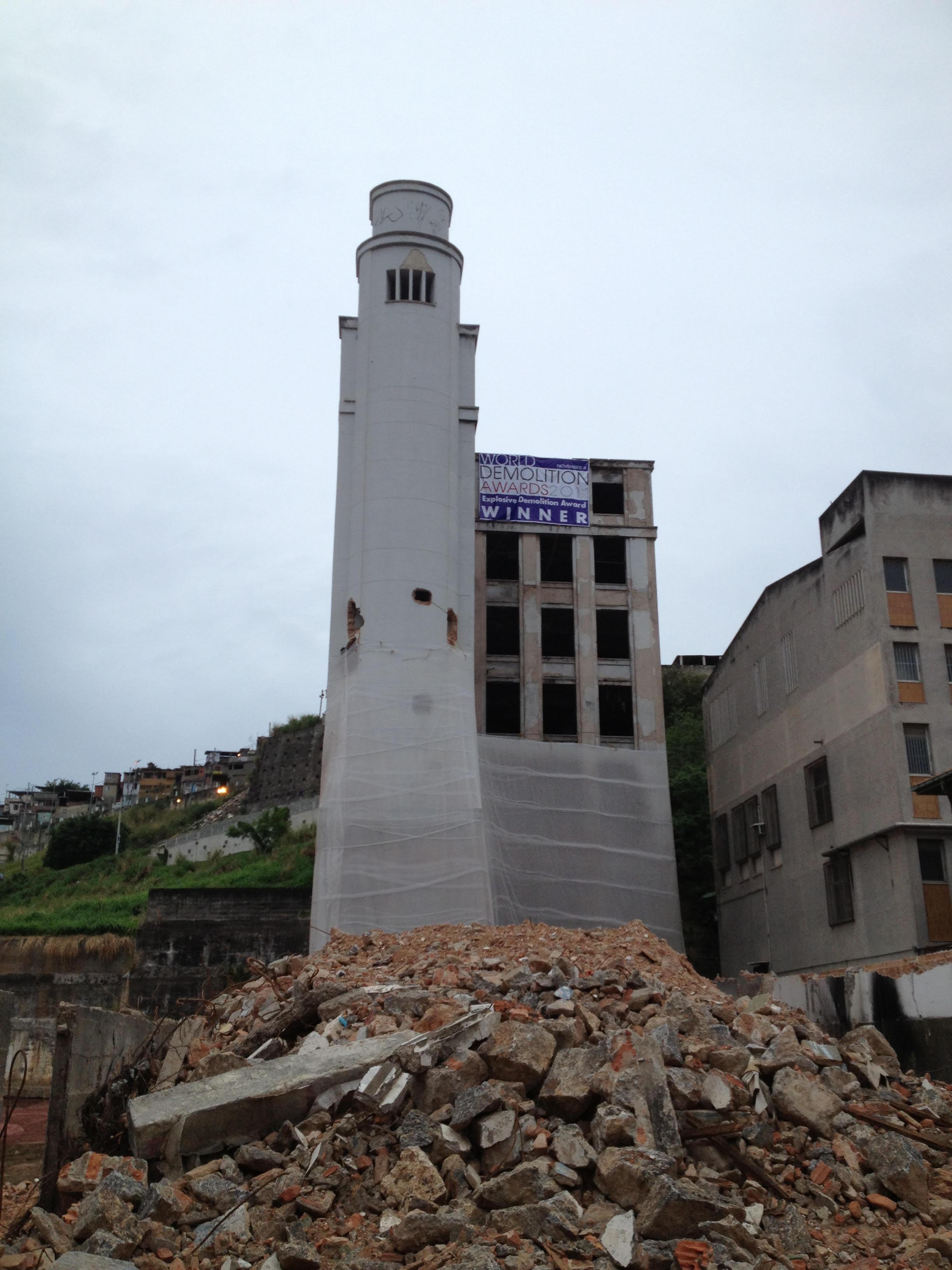 manchete building implosion - FBUSA - 2012.jpeg