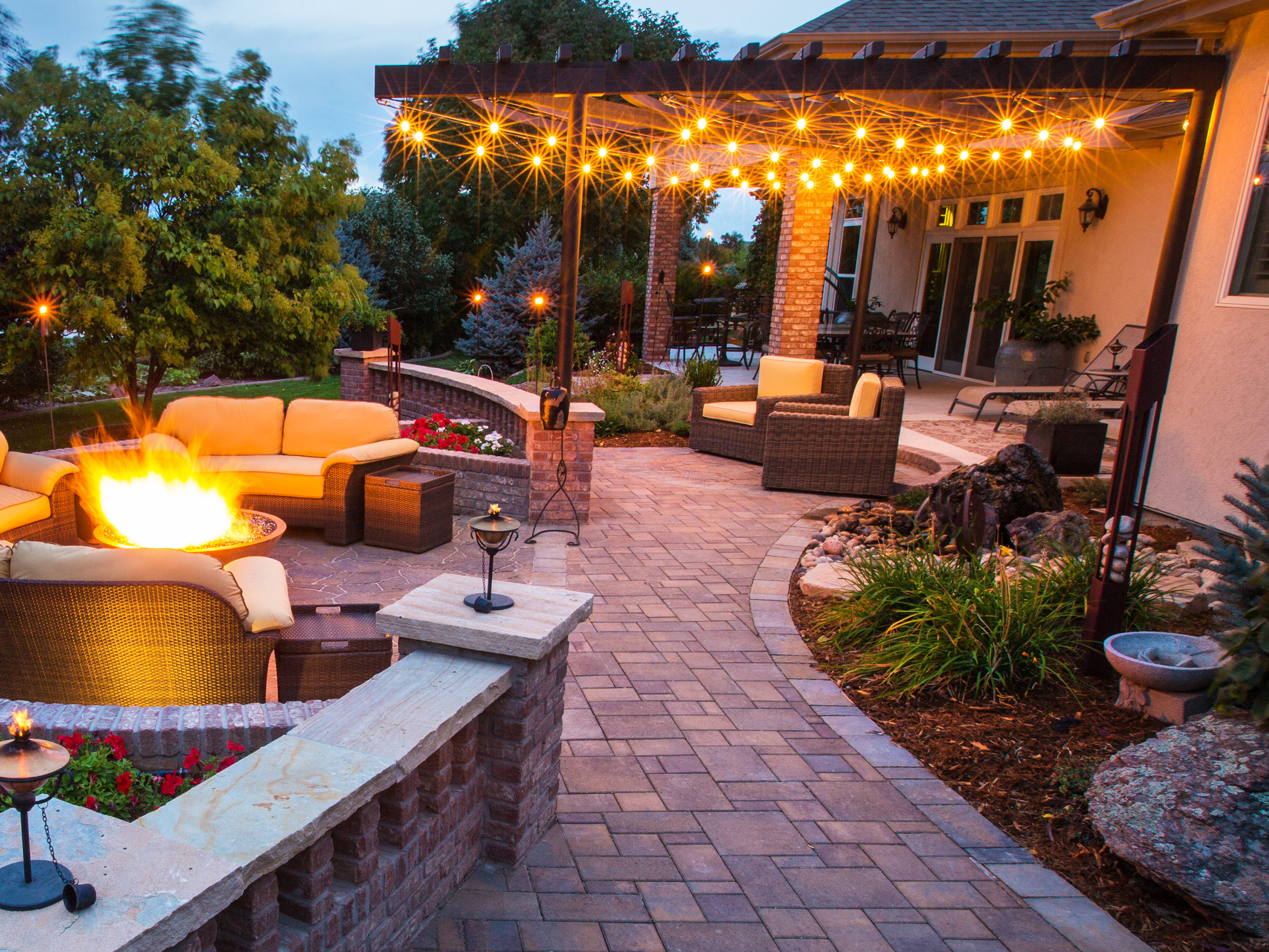 OUTDOORLIGHTING -