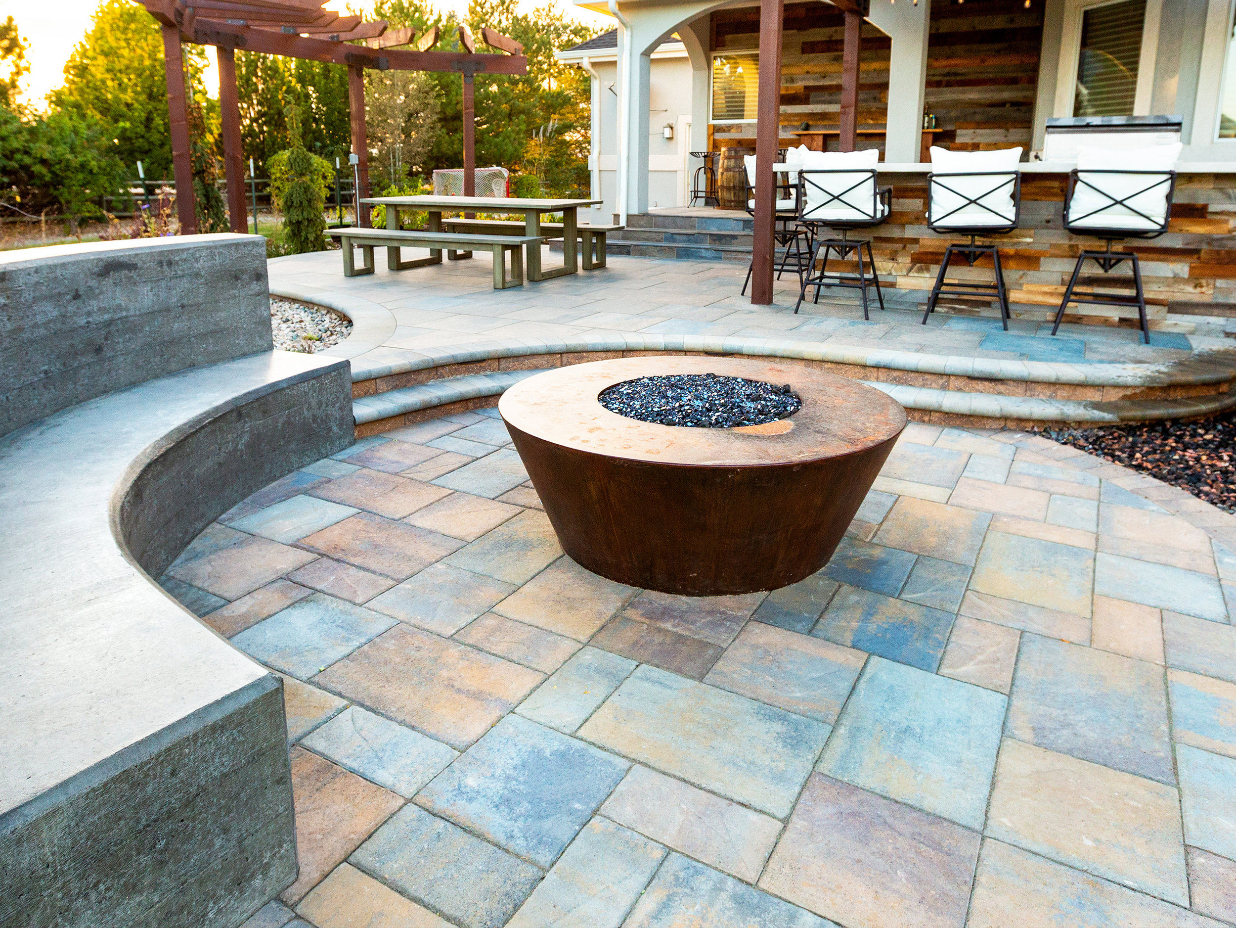 Hardscapes &PAVERS -