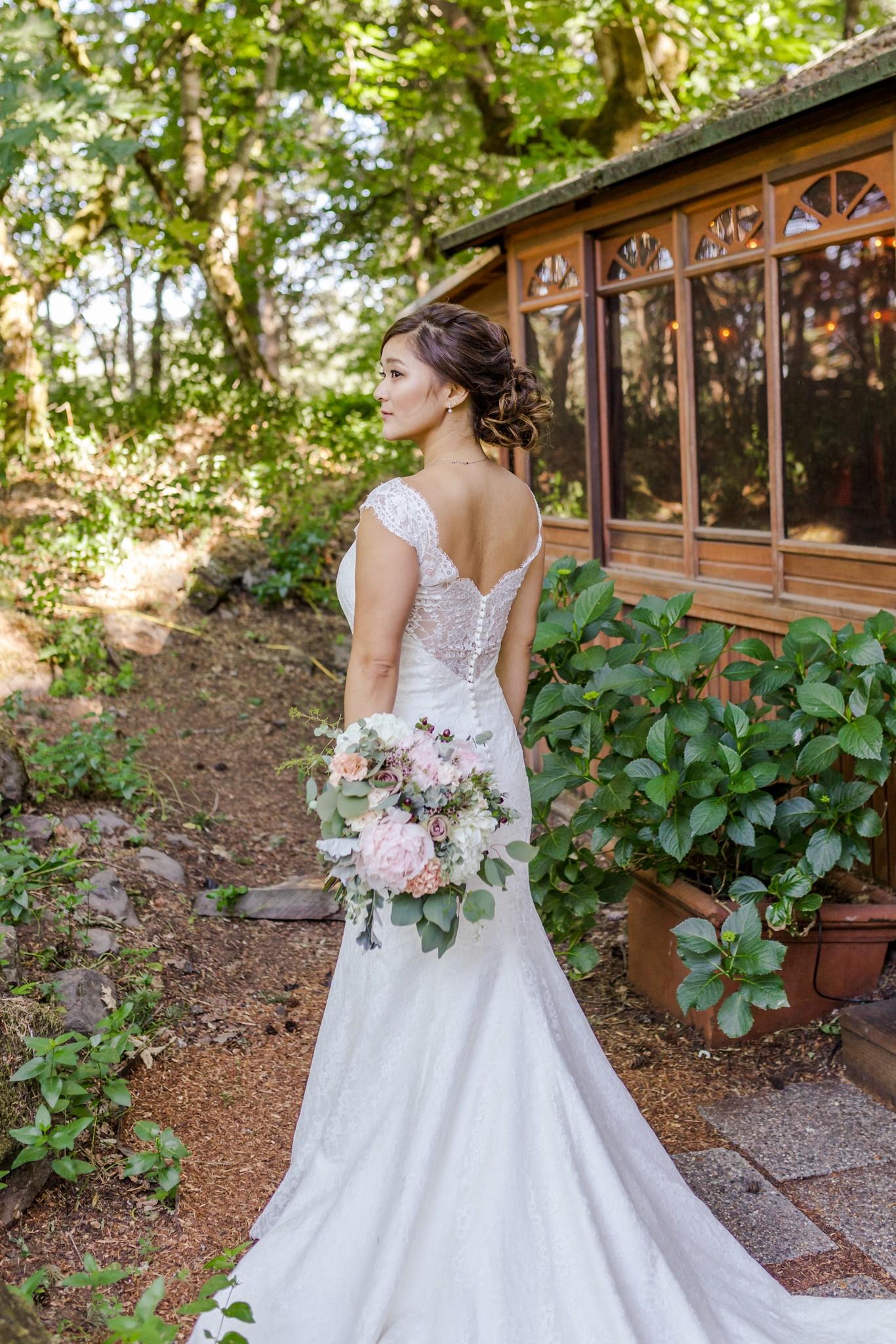 Hood River Wedding - Stonehedge Gardens -76.jpg