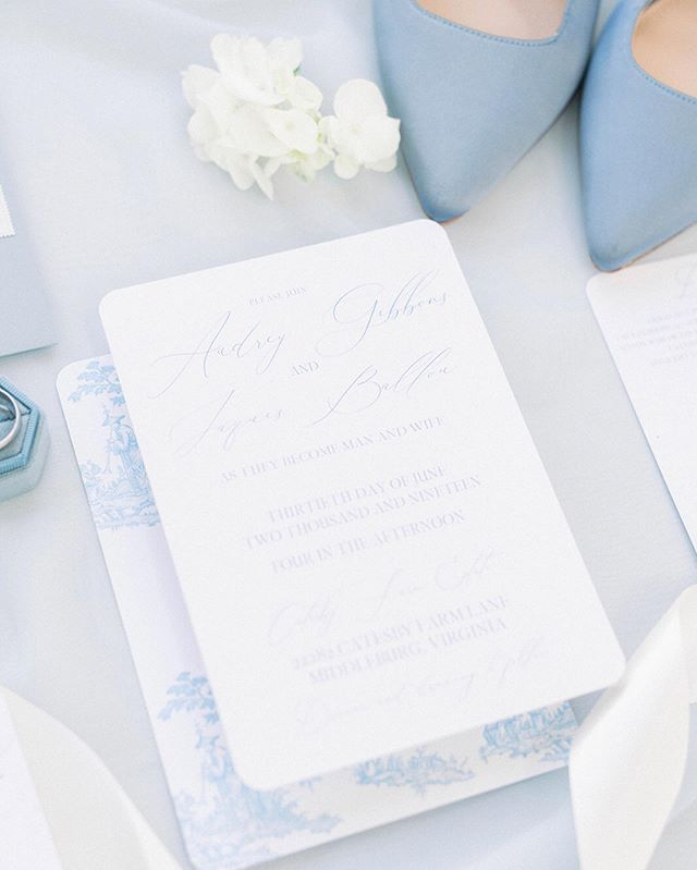 Blue will forever be one of my favorite wedding colors. 😍 what were yours? Or what will yours be?! Lead photographer: @rebeccasigetyphotography Planning/Coordination: @gracefullymadeweddings Venue: @catesbyfarm Wedding Gown: @avalaurennebride Floral Design: @nova_bloomsbymegan Hair and Makeup: @bridalbysarahkhanartistry Stationery: @lahontanletterworks Custom Gifts: @thewelcomingdistrict Rentals: @brideandjoyculpepper Cake and treats: @cakesbymarium Groom's Attire: @theblacktux Bride: @jessicafwebb Groom: @twebb13
