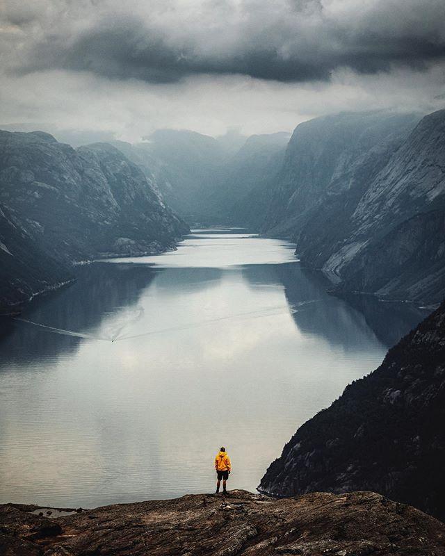 Norway awesomeness  #letsgosomewhere #travelphotography #packandgo #travel #destinationearth #canon_photos #livefolk  #ig_worldphoto #instagram #liveauthentic  #teamcanon #chasinglight #canonsverige #getoutdoors #traveltheworld #vsco #roamtheplanet #travelstroke  #moodygrams #aov #artofvisual #canonbringit #knowledgecottonapparel
