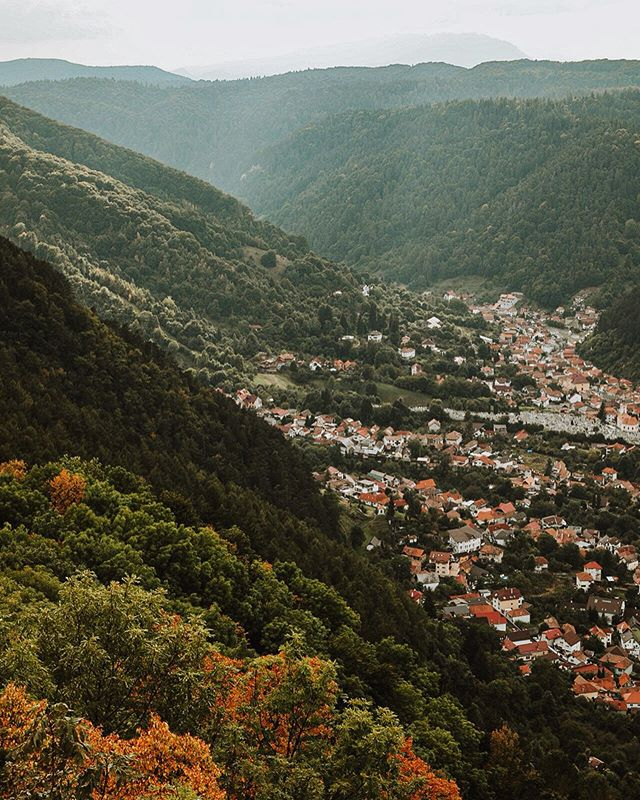 Brasov, Romania 🇷🇴 #letsgosomewhere #travelphotography #packandgo #travel #destinationearth #canon_photos #livefolk  #ig_worldphoto #instagram #liveauthentic  #teamcanon #chasinglight #canonsverige #getoutdoors #traveltheworld #vsco #roamtheplanet #travelstroke  #moodygrams #aov #artofvisual