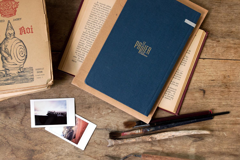 set-design-le-papier-fait-de-la-resistance-01.jpg