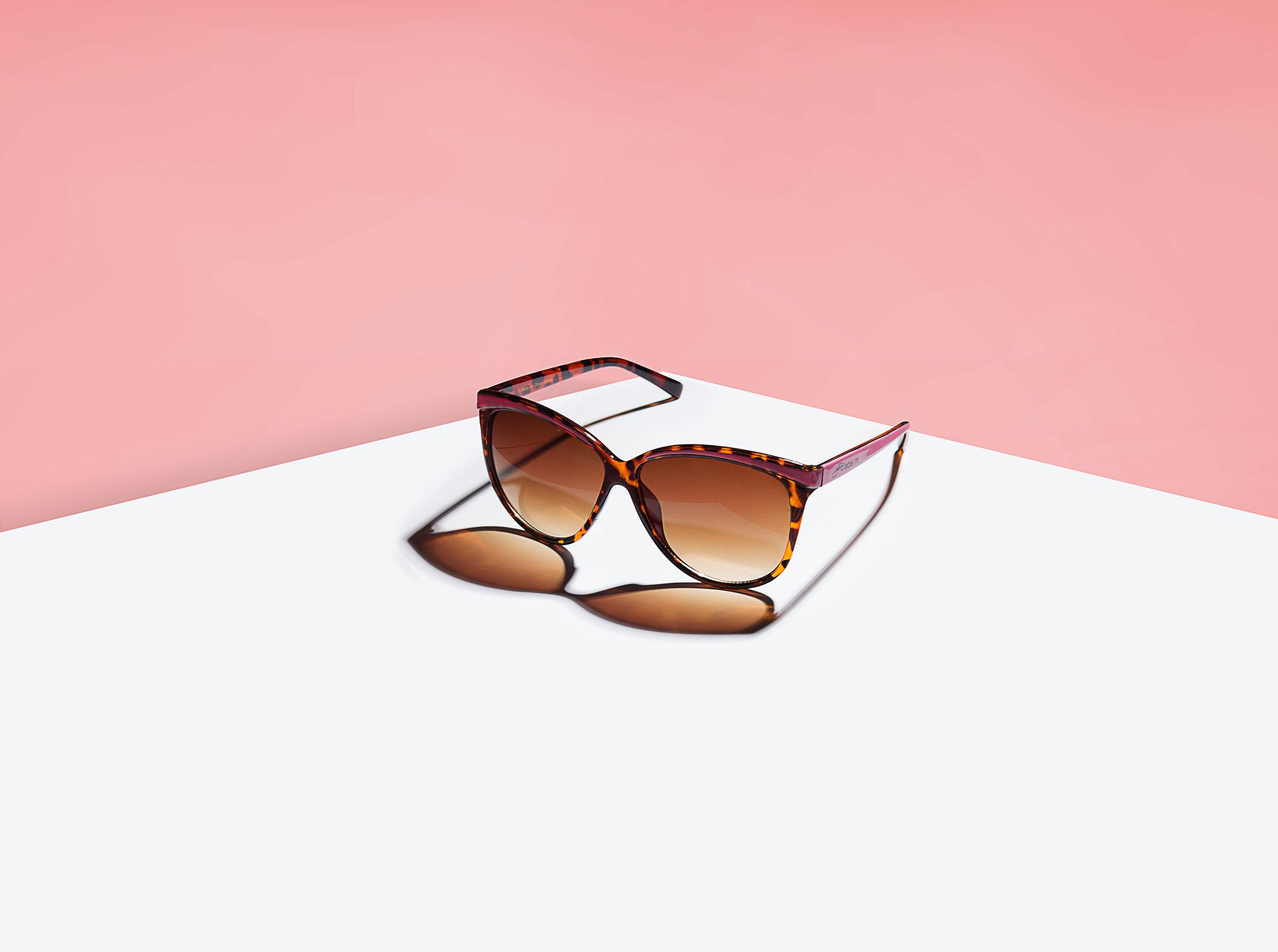 LabelM_Glasses 2.jpg
