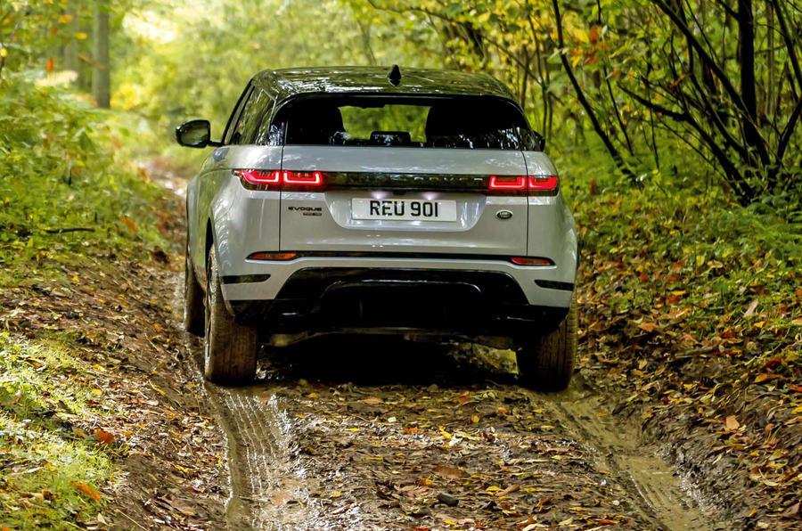 3-range-rover-evoque-2019-reveal-offroad-rear.jpg