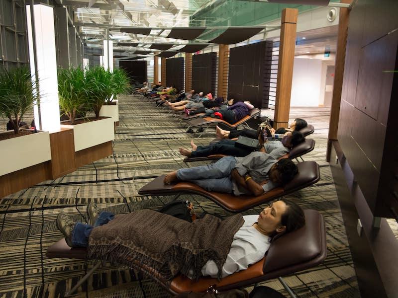Snooze-Lounge-at-Changi-Airport-Singapore-min.jpg