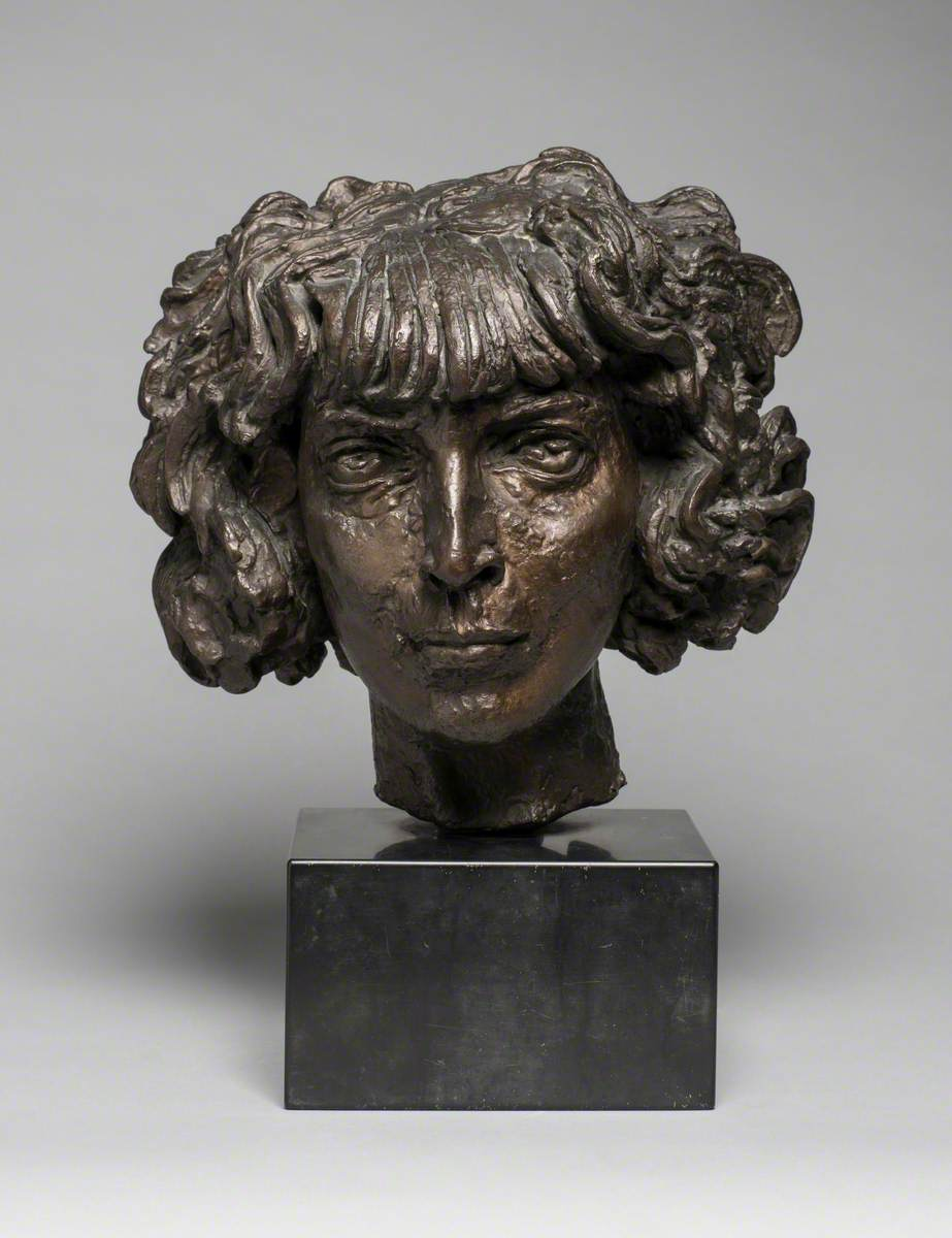 Marchesa Casati, c.1918, bronze by Jacob Epstein (1880–1959), © the artist's estate/Tate Images. Photo credit: Southend Museums Service