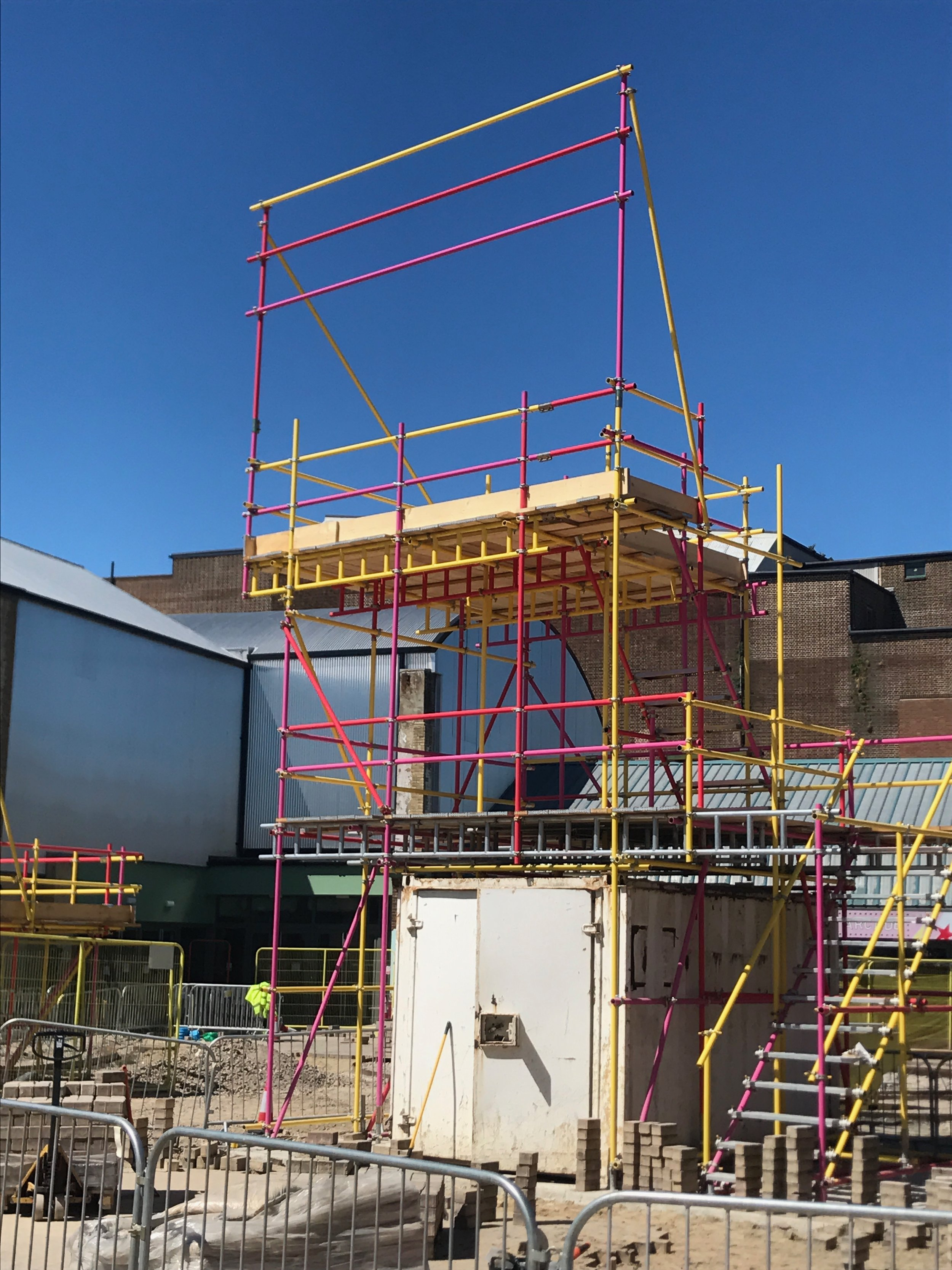 Red and yellow scaffold structure.