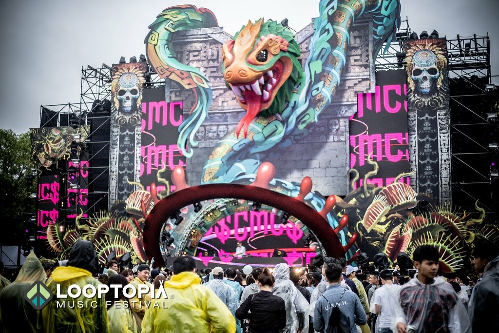 monster stage with crowd.