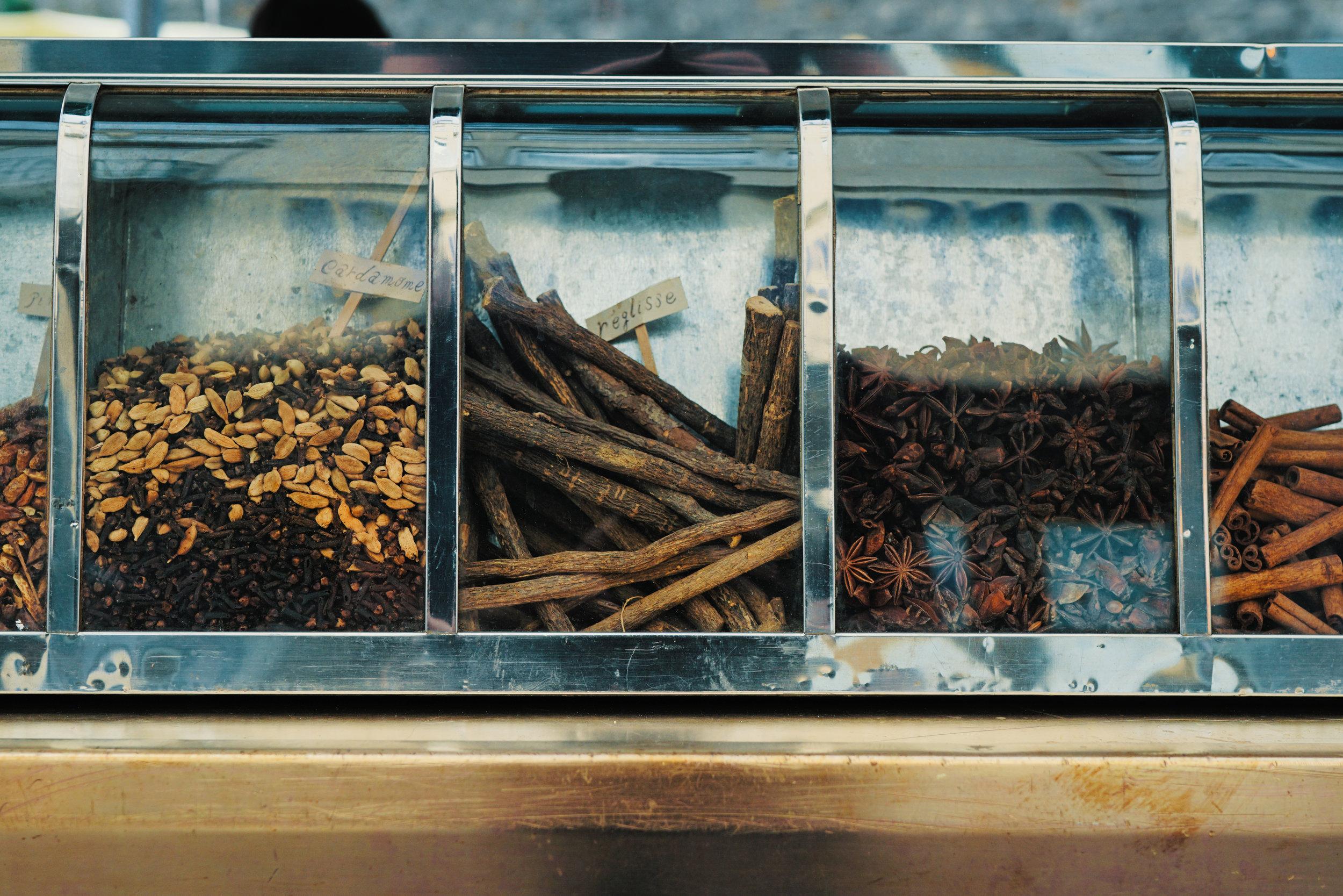 spices - Cinnamon – Cinnamon increases blood flowCloves – has Anti inflammatory propertiesNutmeg – works Anti-bacterialBlack Pepper – is good for the Stomach & Skin Health
