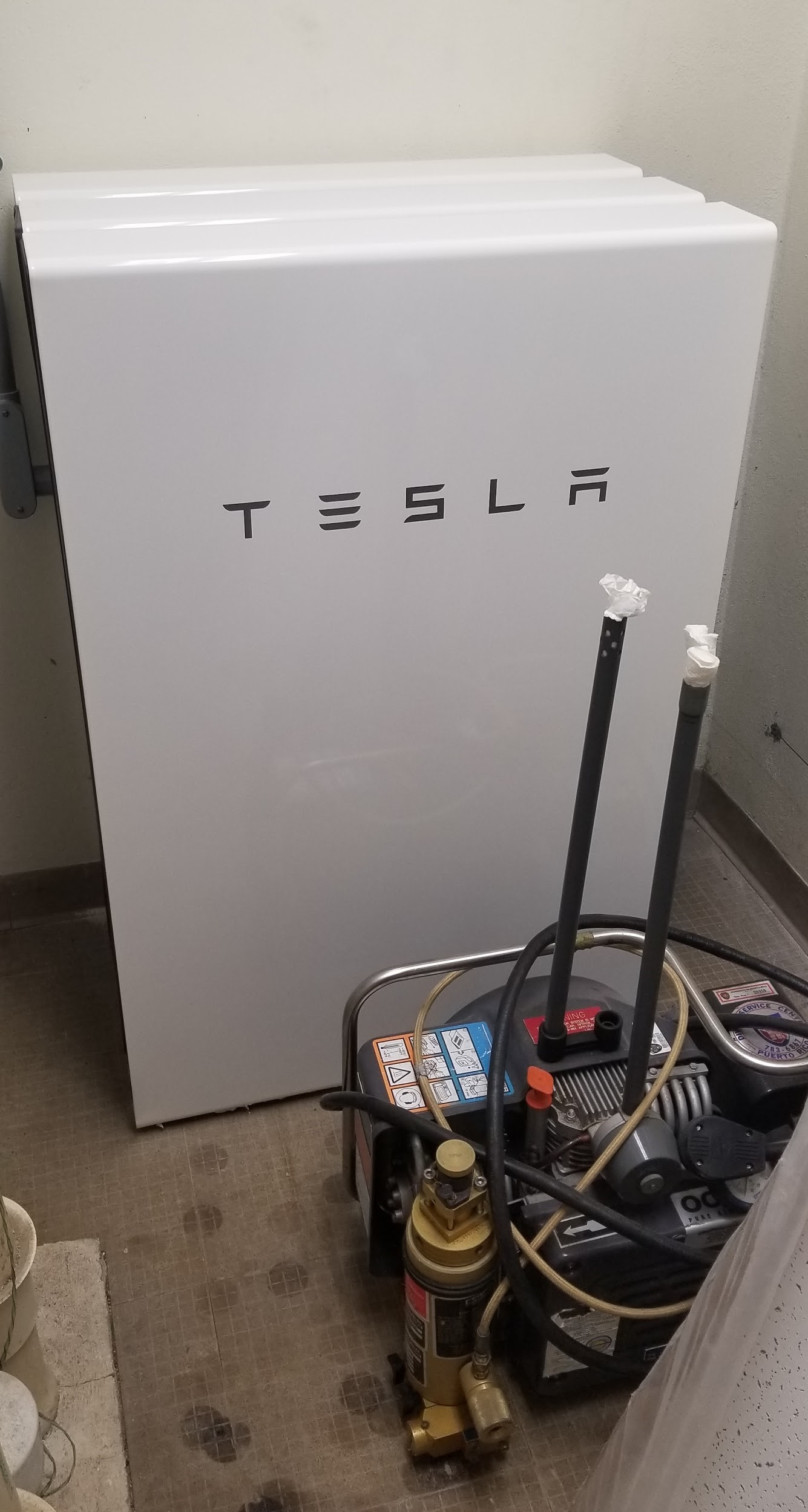a tesLa powerwall now stores power for the fire station