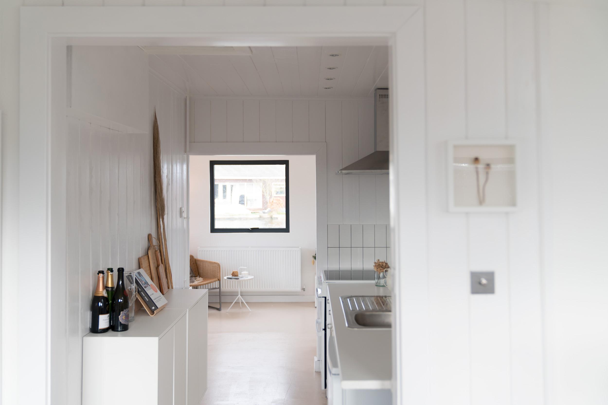 Nor-Folk-Stays-Norfolk-Cabin-Fiona-Burrage-Kitchen.jpg