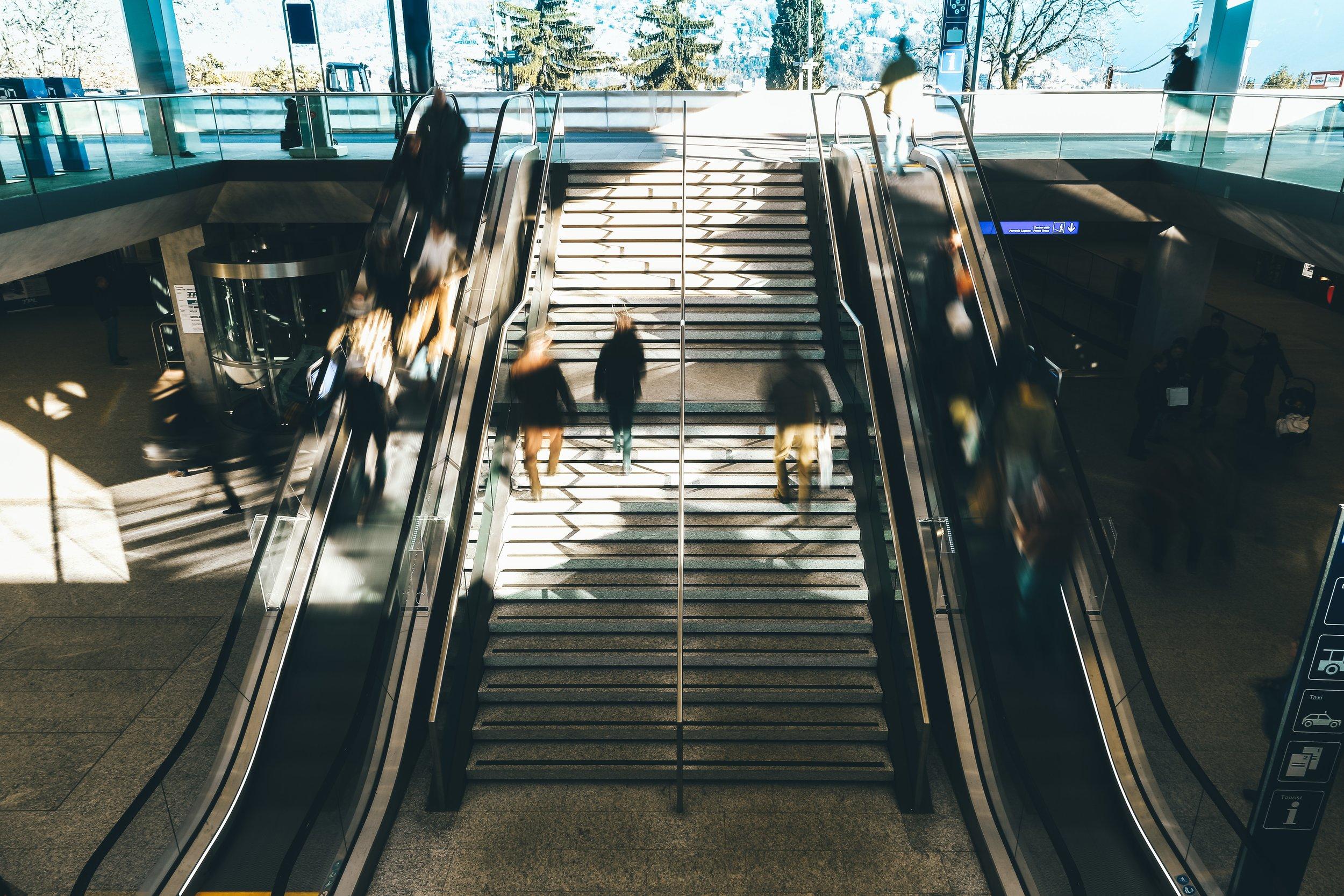 airport-architecture-blur-1040494.jpg