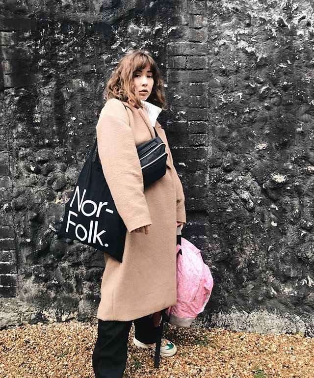 @ruthsauverin looking effortlessly cool (carrying our tote bag) 😎✌🏻