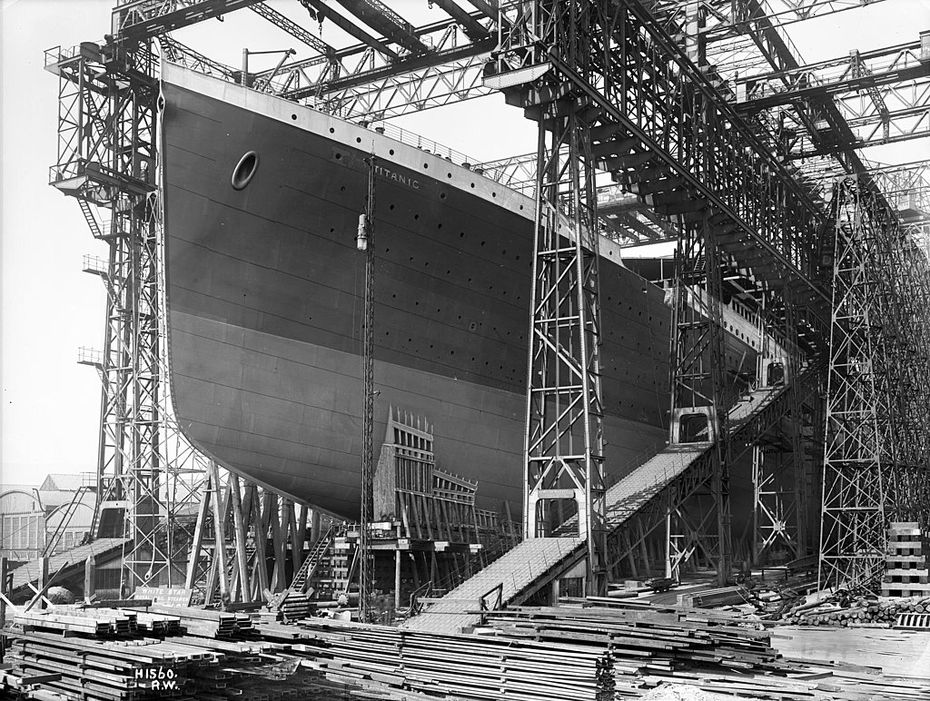 Titanic under construction in Harland and Wolff