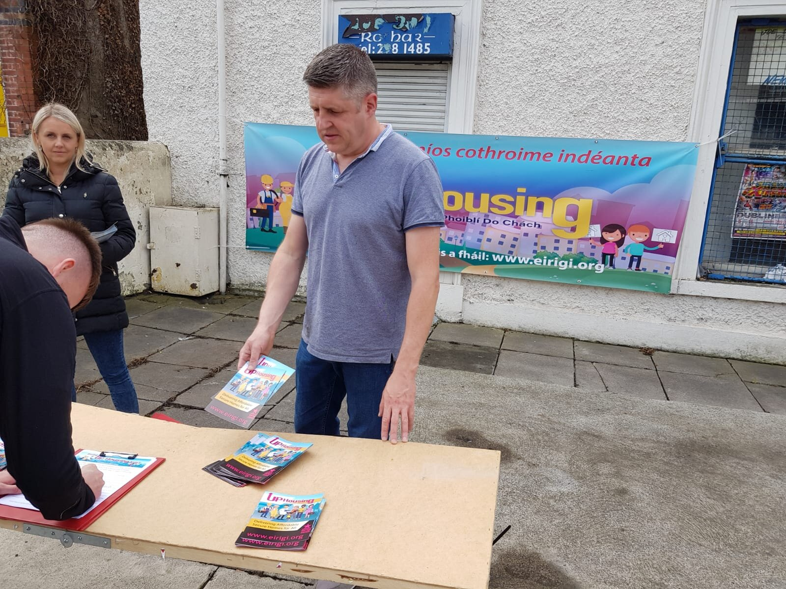 UP Housing information stall and petition in Dundrum, Dublin.
