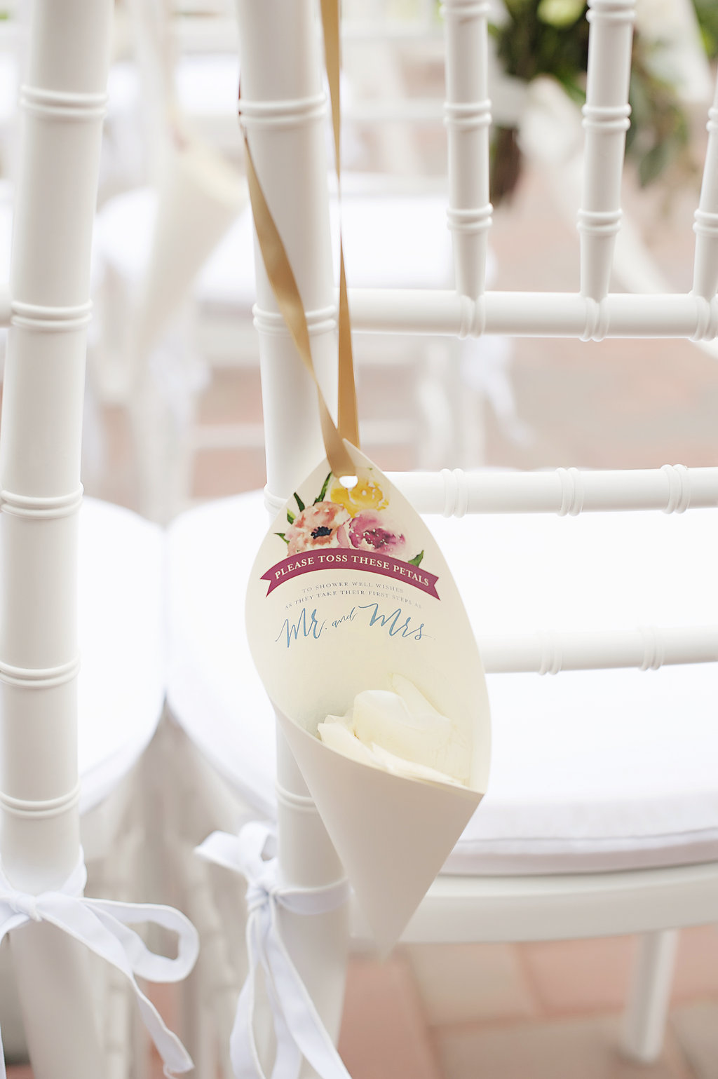 Wedding confetti holders for Cincinnati wedding ceremony with watercolor florals by Poeme.