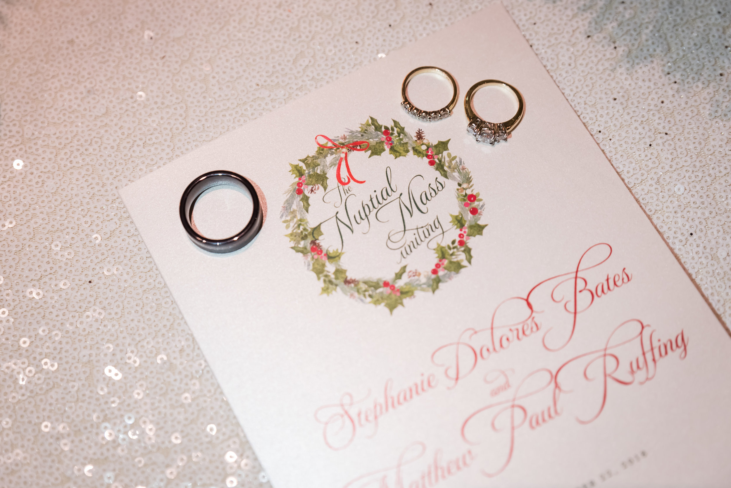 Christmas wedding with green and red palette