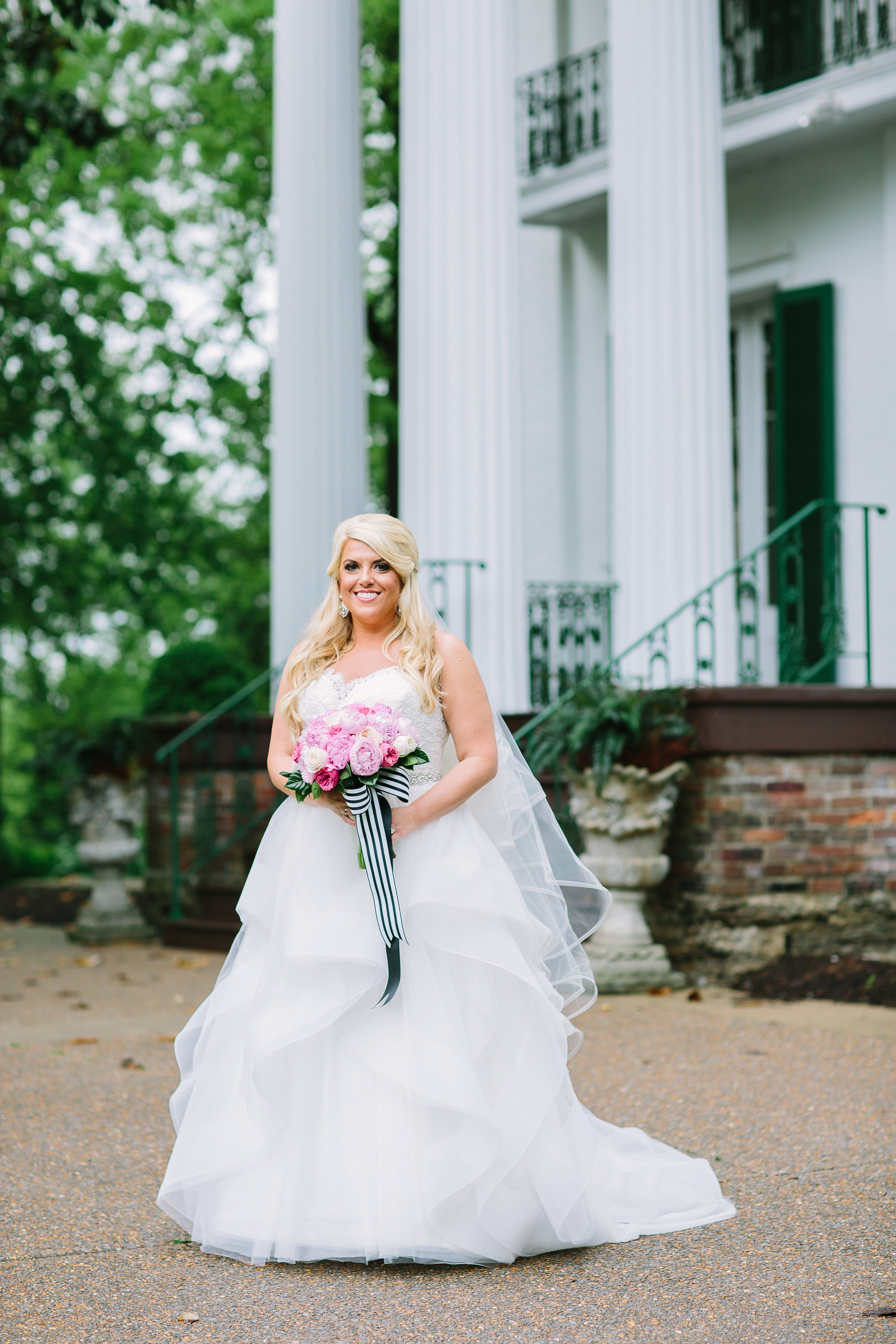 Bright and bold southern wedding with pink florals.