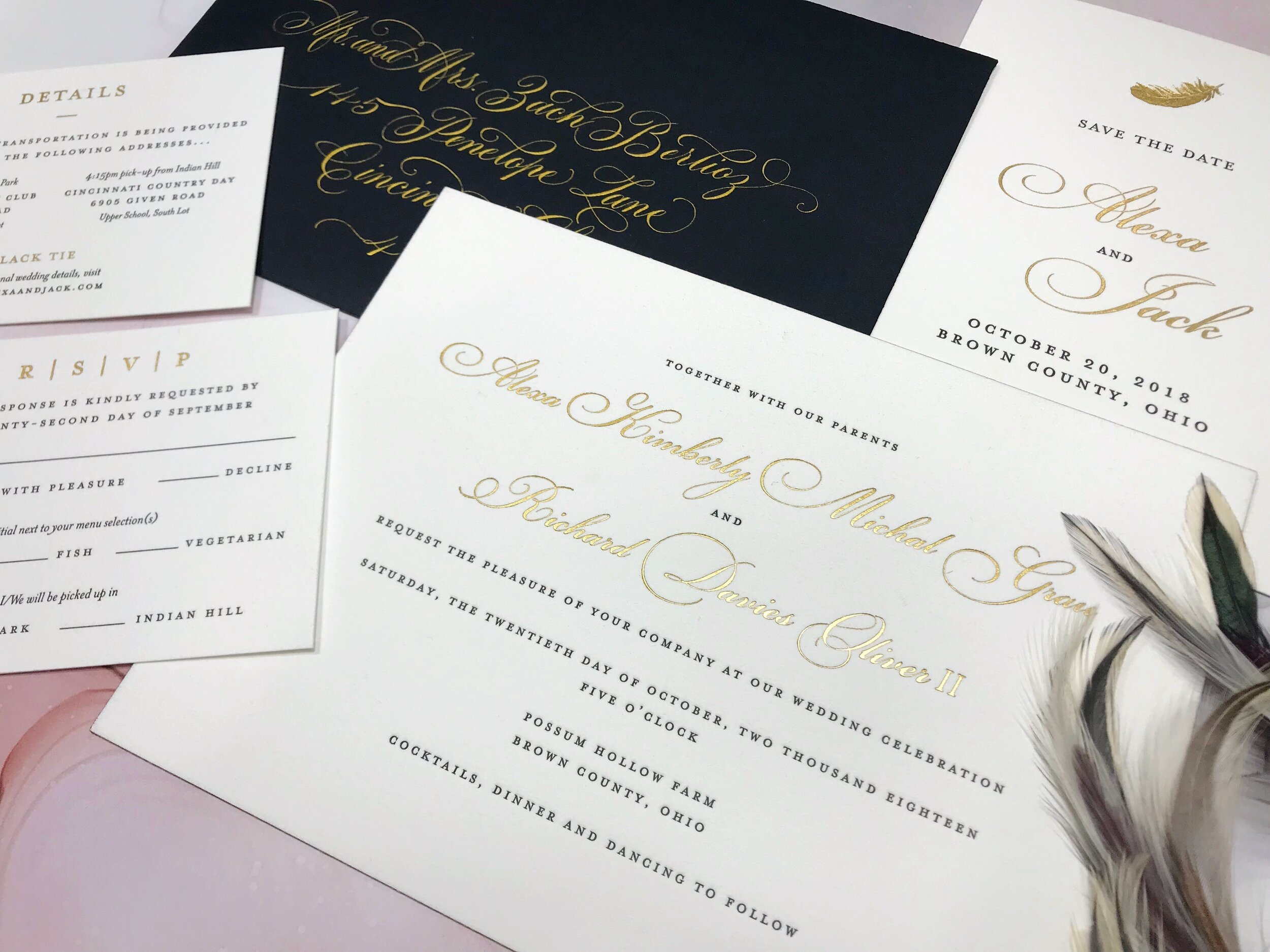 Stationery suite with gold details by Poeme