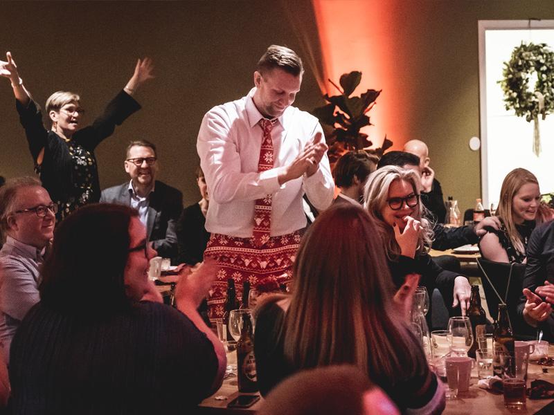 Julfest med livemusik och aktivitet I Utmaningarnas Hus i Malmö