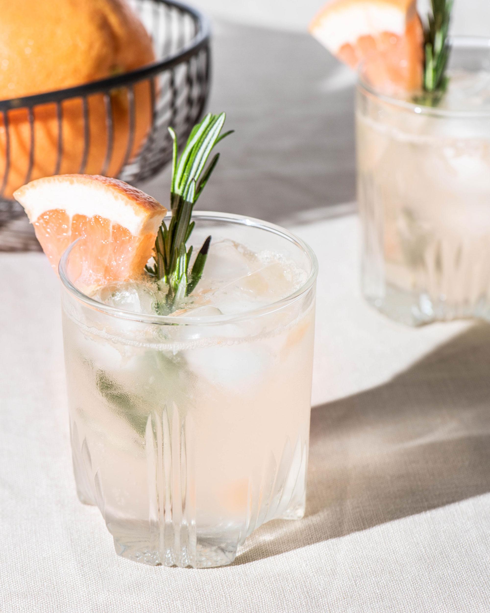 190625-Cocktail-GrapefruitRosemary-240.jpg