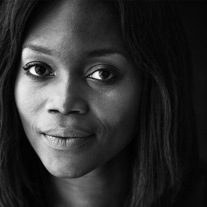 Zizipho Poswa - Artiste et fondatrice du studio Imiso Ceramics