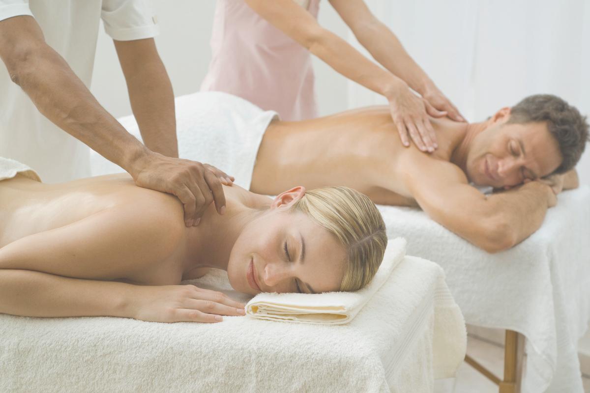 couples massage -