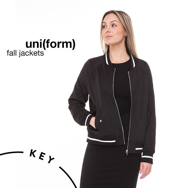 Fall uniform looks can be an easy transition with a polished jacket from #KeyClothing #customuniforms #fallstyle #tontorestaurants #vancouverrestaurants #serverpouches #serveruniforms #businessuniforms #falluniform #uniformapparel #restaurantlife
