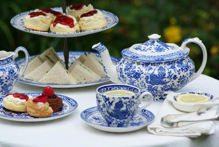 design-dictionary-Burleigh-tea-service-700x469.jpg