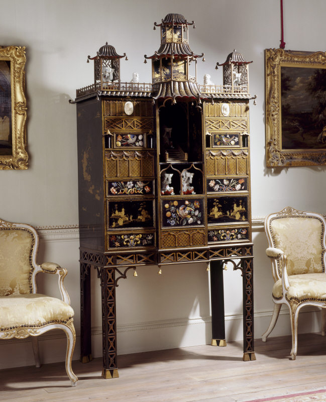 Chinese Chippendale cabinet with japanned decoration