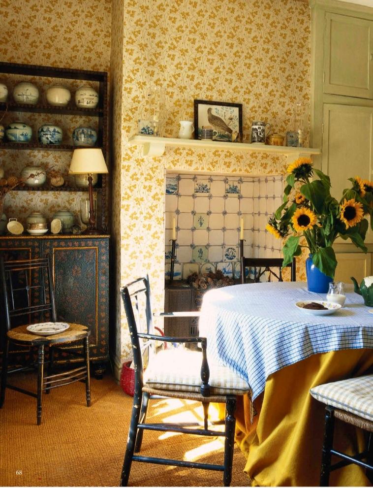 Wendy Nicholls' dining room