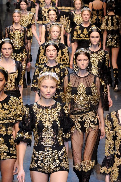 Dolce & Gabbana's Fall 2012 collection shows influence from the Baroque style.