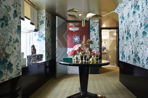 Designer Young Huh channels Dorothy Draper in her elegant Hollyhock Lounge for the 2014 Kips Bay Showhouse