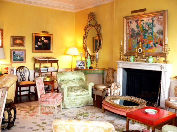 Note the abstract and more traditional art mixed in Betty Sherrill's living room. Potography by Jeffrey Hirsch.