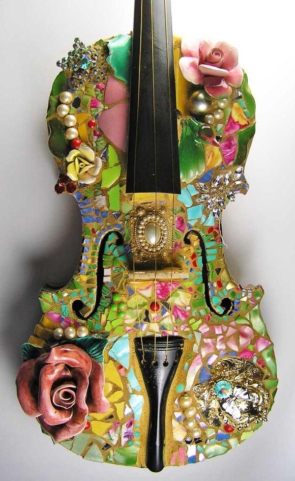 PIque assiette violin by artist Melissa Miller