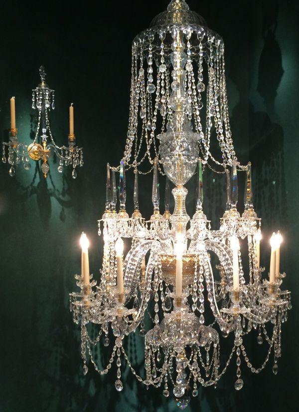 international-antiques-show-chandelier