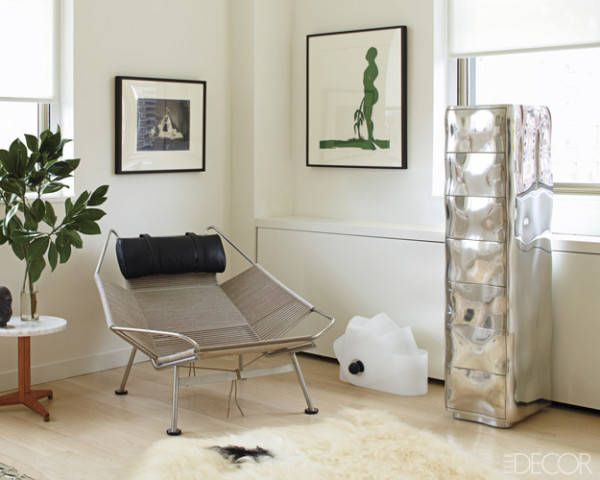 Edward Wormley side table in in art dealer Brent Sikkema's NYC apartment