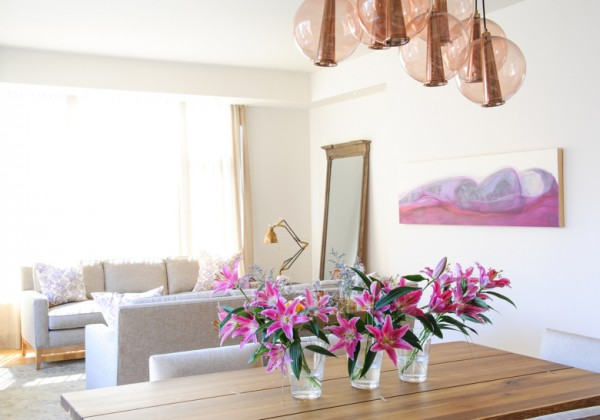 Painting by Zoe Pawlak, Interior design by Nyla Free, Photograph by Tracey Ayton Photography.